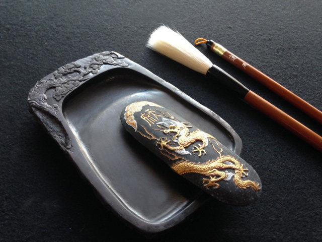 書道道具の筆と硯